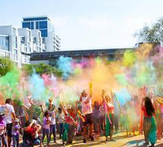 Magic of India: Holi colour dance party